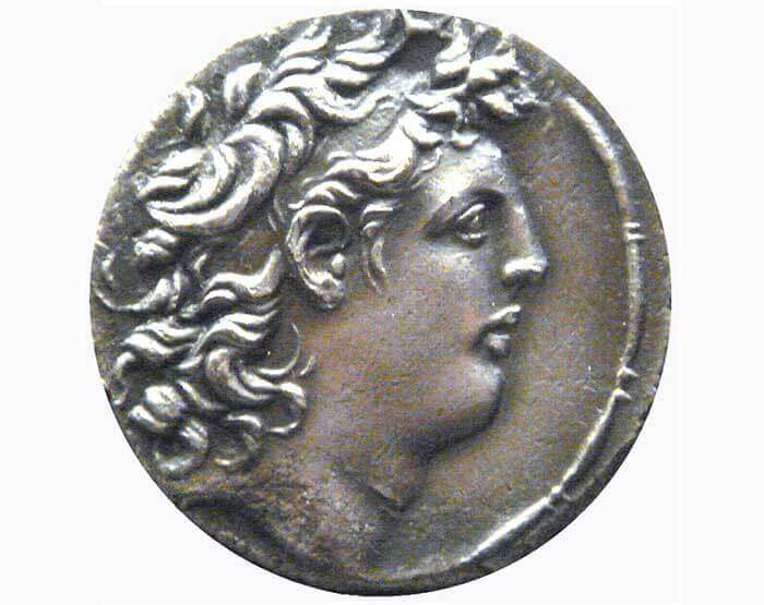 Coin depicting the Seleucid king Tryphon