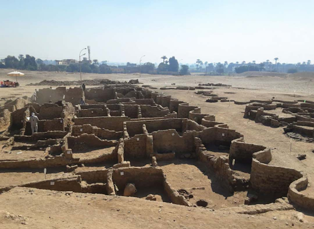 Recently uncovered walls from the Lost Golden City of Aten